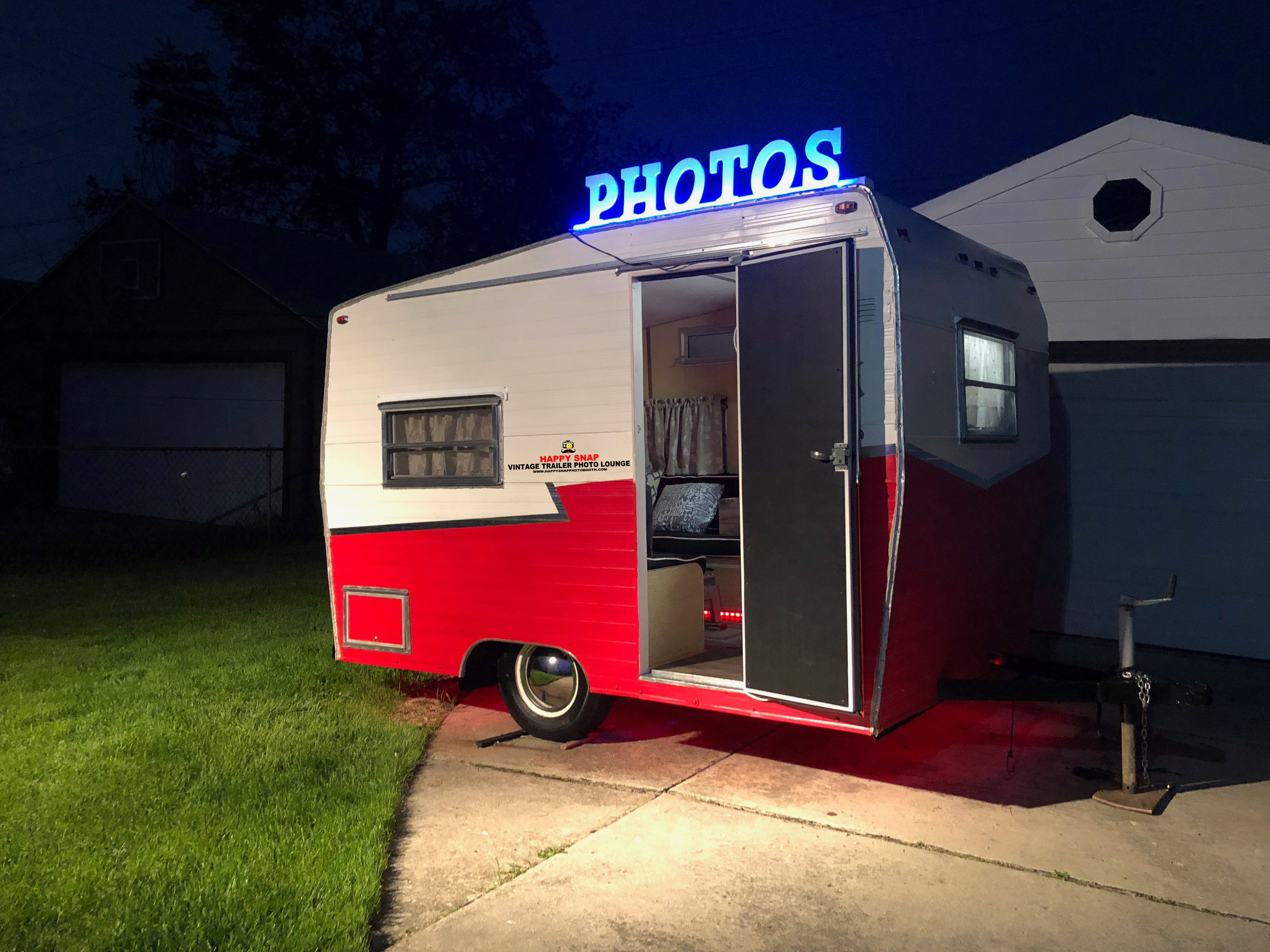 Vintage Trailer Photo Lounge | Happy Snap Photo Booth LLC