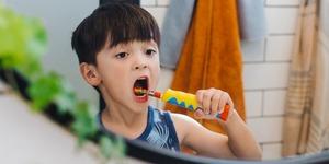 寶寶們使用電動牙刷