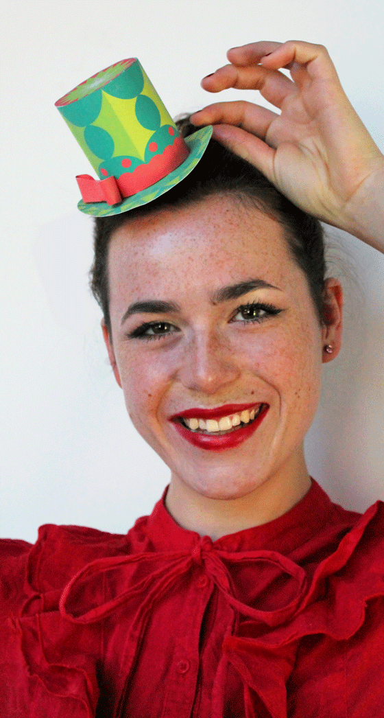 Festive paper party hats: Green holly mini top hat for Christmas party or a quick outfit!