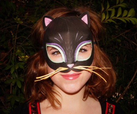 Easy to make printable cat mask template!