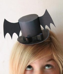 Mini paper top hat for Halloween with a bat!