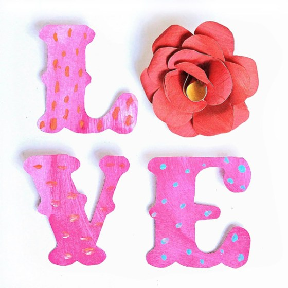 Love text with a red paper rose tutorial and templates for Valentines Day!