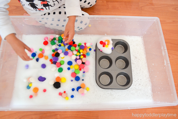sensory bin activity for toddlers and preschoolers