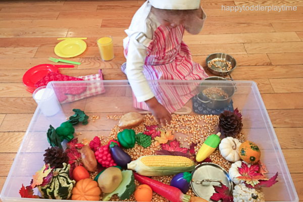 THANKSGIVING DINNER SENSORY BIN 0