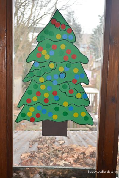 PIN THE STAR ON THE XMAS TREE 1