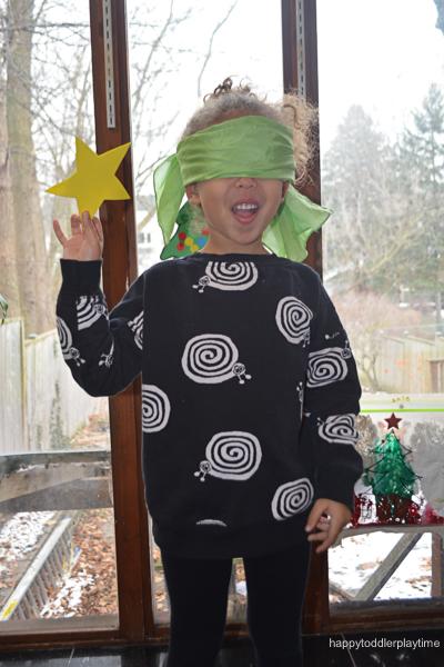 PIN THE STAR ON THE XMAS TREE 4