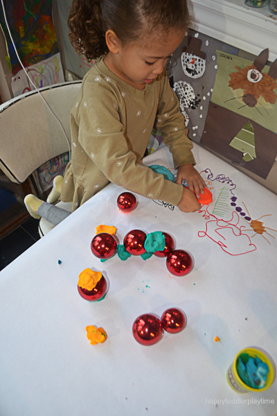 PLAYDOH & BAUBLES 2