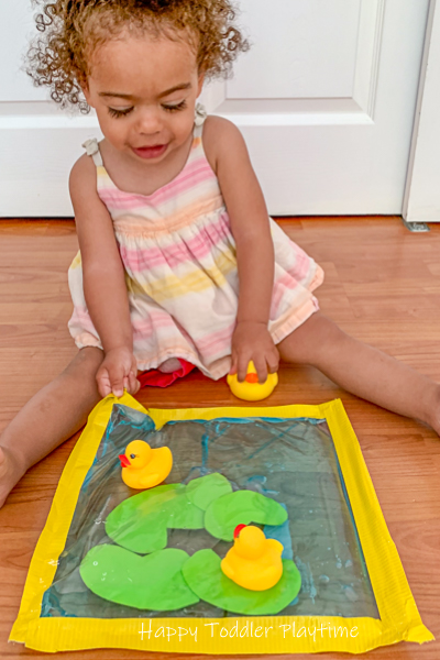 Pretend play bag with rubber ducks for toddlers