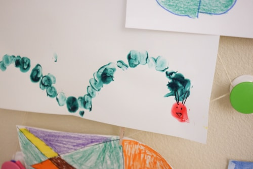 DSCF0329The Very Hungry caterpillar Finger Painting