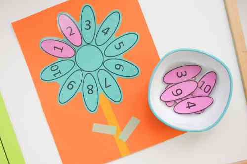Leaf number matching learning activity for preschooler