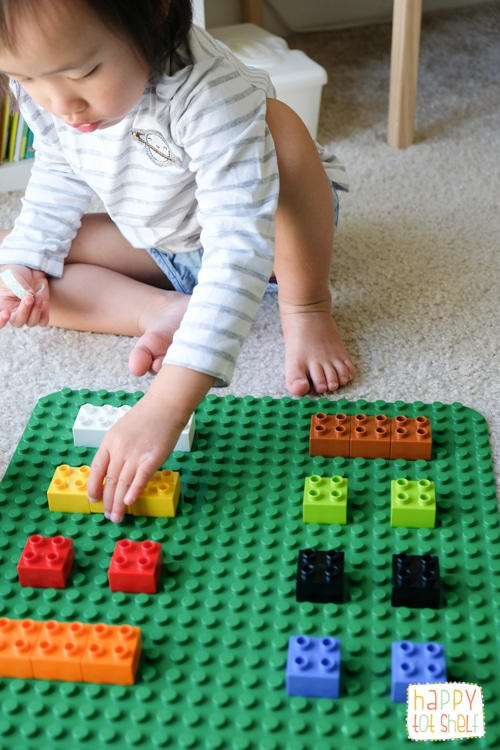 color matching activity for toddlers using duplo