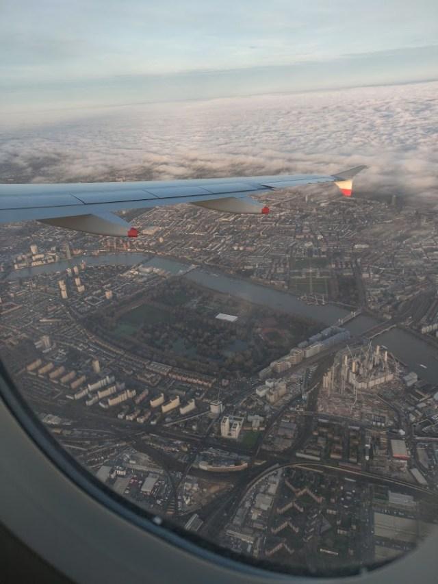 Approach into London British Airways Economy Copenhagen to London
