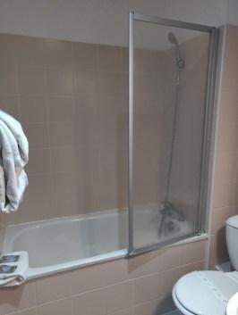Hotel Kyriad Colmar Bathroom