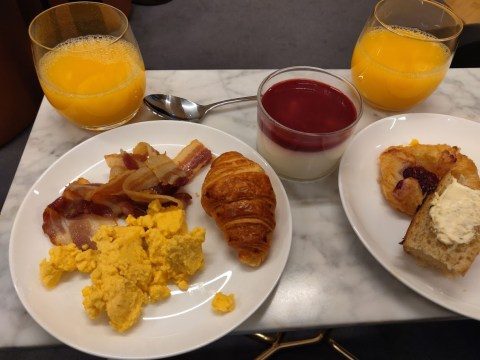Qantas London Lounge Food