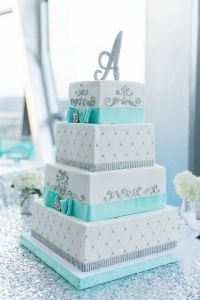 53 Square Wedding Cakes That Wow   HappyWedd com by Mia