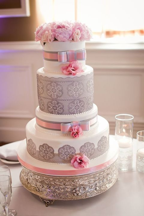 39 Romantic Grey And Pink Wedding Ideas   HappyWedd com a white cake with grey lace decor and pink flowers