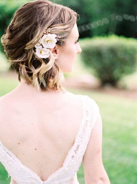 Curled Short Wedding Hair With Flowers
