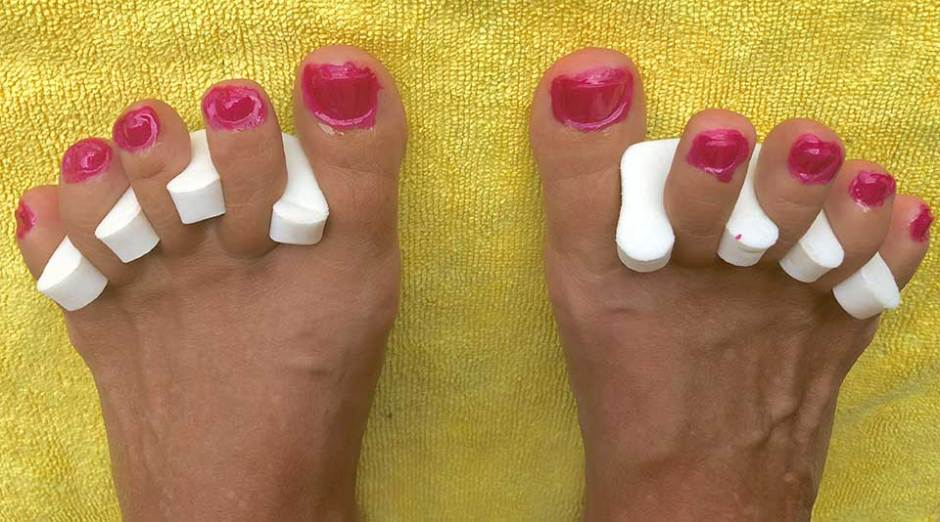 chip-free & toxin-free DIY pedicure the easy way