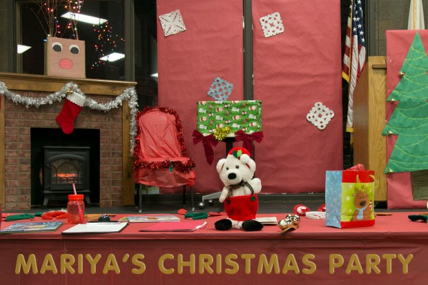 Permalink to: Mariya's Christmass Party at College Of Dupage Preschool