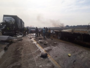 10 people killed in 12 car horror crash - Harare Live