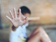 The neighbour of the family from Mokgwathi village reported to police that the 14-year-old child had been sexually abused by her grandfather since 2018. Image: 123RF/Artit Oubkaew