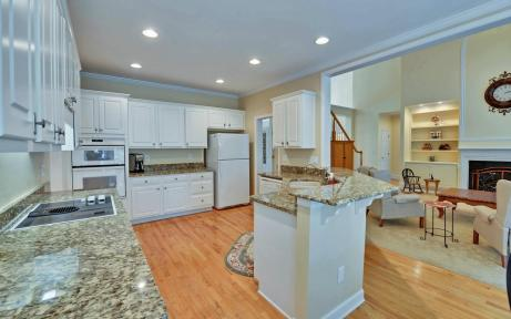 3536-wake-run-court-large-009-14-kitchen-1500x938-72dpi