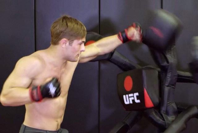 BAS-UFC-boxing