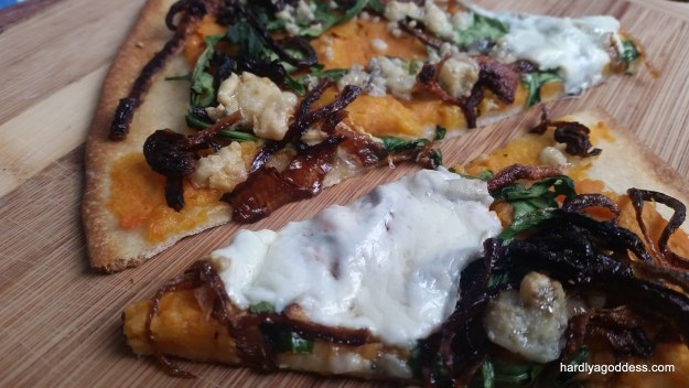 Sweet potato pizza with crispy onions and blue cheese