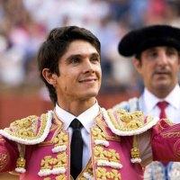 Feria de San Miguel de Sevilla: Castella y Manzanares forman un alboroto