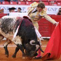 Nadie rompe el mal fario de ganado y asistencia en la Plaza México