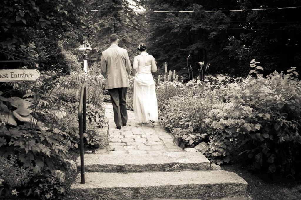 hardy-farm-maine-wedding-brideandgroom1