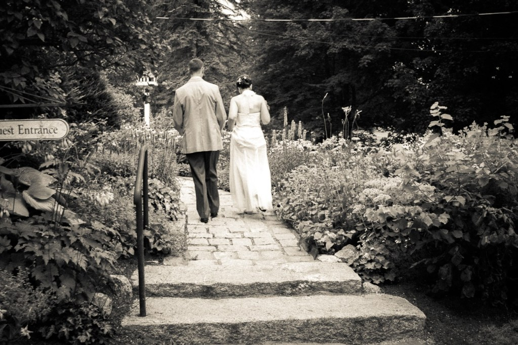 hardy-farm-maine-wedding-brideandgroom1