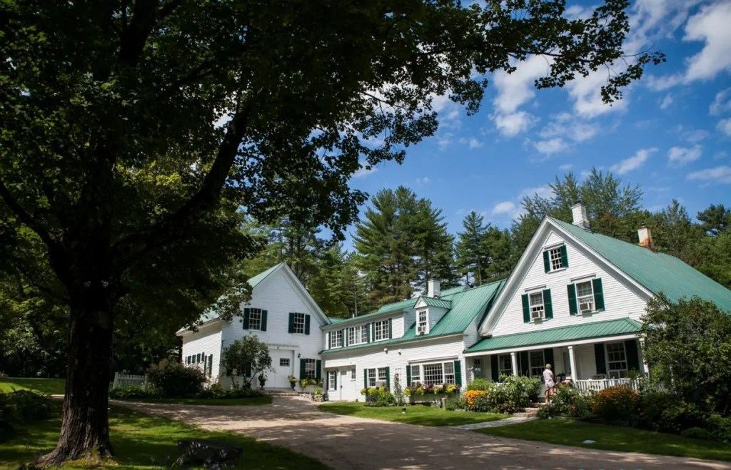 Perfect Maine Wedding Venue with Lodging for your family and friends