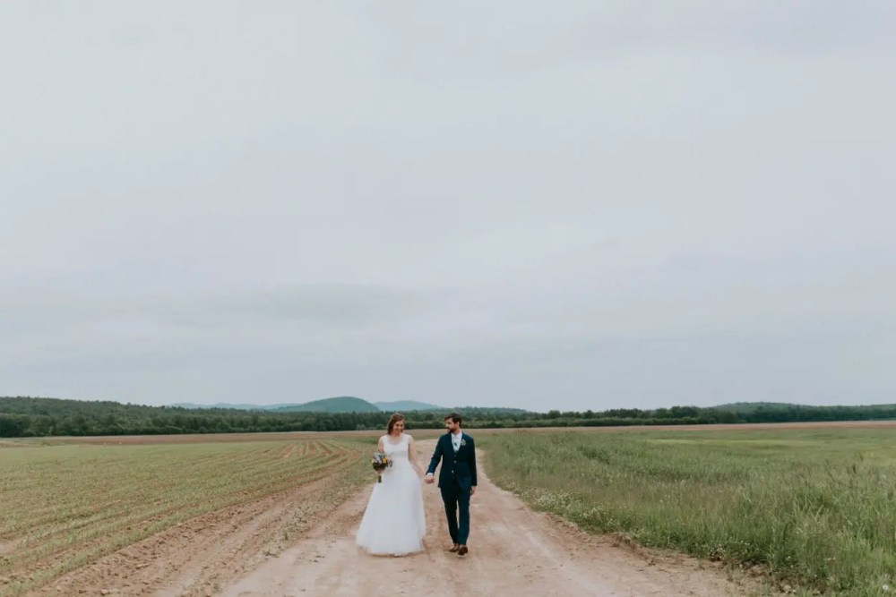 maine_wedding_venue_barn_emily_delamater_eleanorandaaron_41