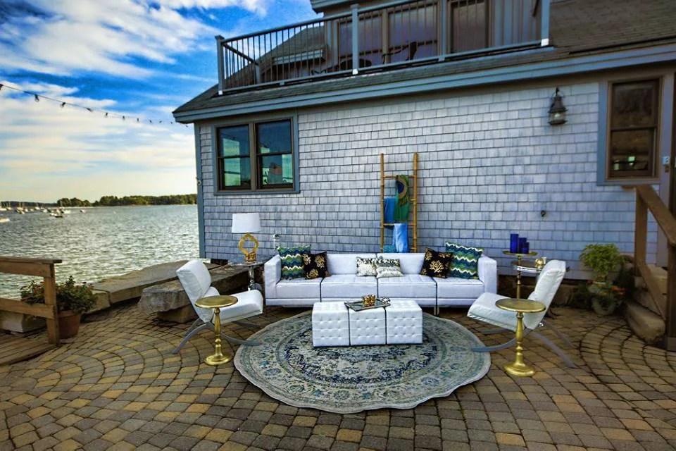 coastal-maine-wedding_barn_boathouse9