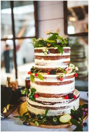 Summer Wedding Cake at Hardy Farm