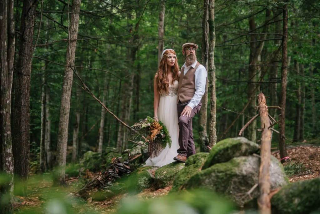 Wedding couple in the woods in Maine