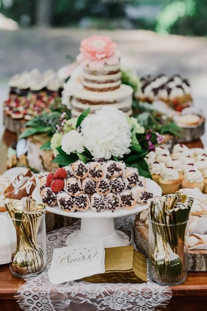 Maine wedding with Italian pastries