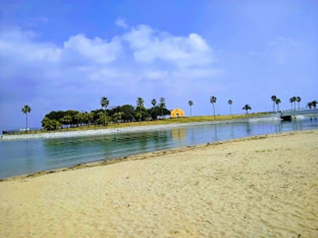 田ノ浦ビーチの人工島