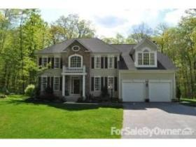 Featured Home Of The Week – 2426 Meadowside Ct Monkton, MD 21111
