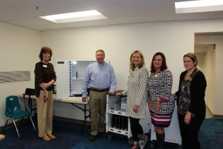 Bel Air Library Receives Donation of Discovery Carts