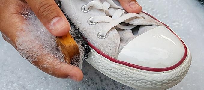 Info Harga Jasa Laundry/Cuci Sepatu di Berbagai Tempat | Daftar Harga &  Tarif