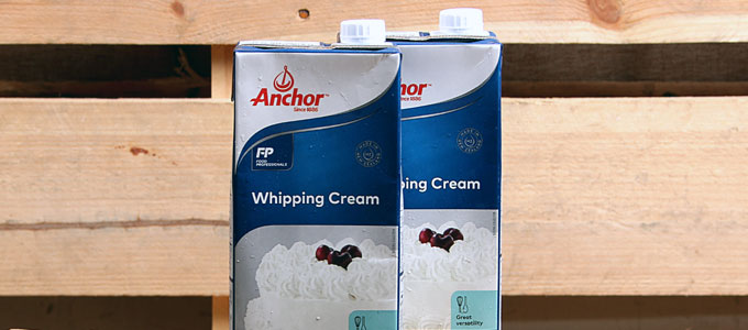 Anchor UHT whipping cream (sumber: chinahao.com)
