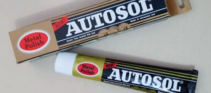 Autosol metal polish (sumber: shopee.co.id)