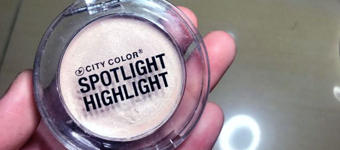 City Color Spotlight Highlight (sumber: carousell.com)