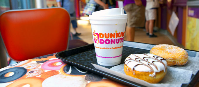 Dunkin Donuts (sumber: fortune.com)