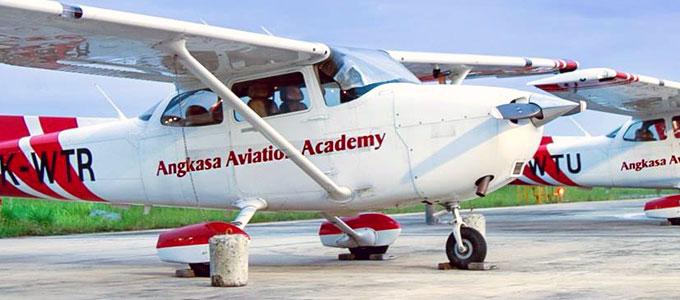 Update Terkini Biaya Sekolah Pilot Di Angkasa Aviation Academy Aaa Lion Air Daftar Harga Tarif