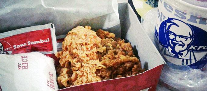 Harga Paket Super Besar 1 & 2 Kentucky Fried Chicken (KFC ...