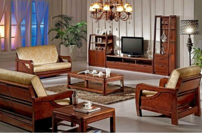 Traditional-wooden-living-room-furniture-sets-with-TV-and-hanging-light-fixtures
