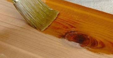 Plitur kayu jati